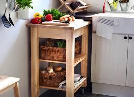 Mengatasi Noda Pada Alat Dapur Berbahan Kayu