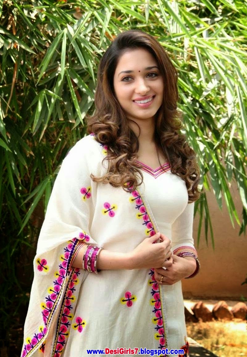 Tamanna Bhatia 2015 Wallpaper - Desi Girls Wallpapers-4801