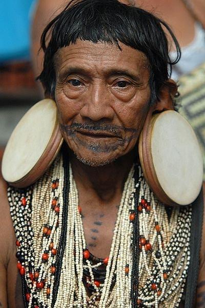 Modifikasi Tubuh Suku-Suku di Dunia Modifikasi Tubuh Suku-Suku di Dunia 6