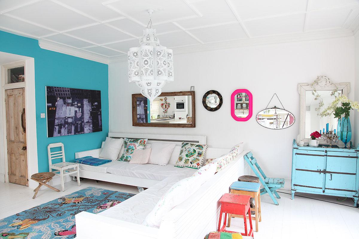 turkusowa ściania, niebieska ściana