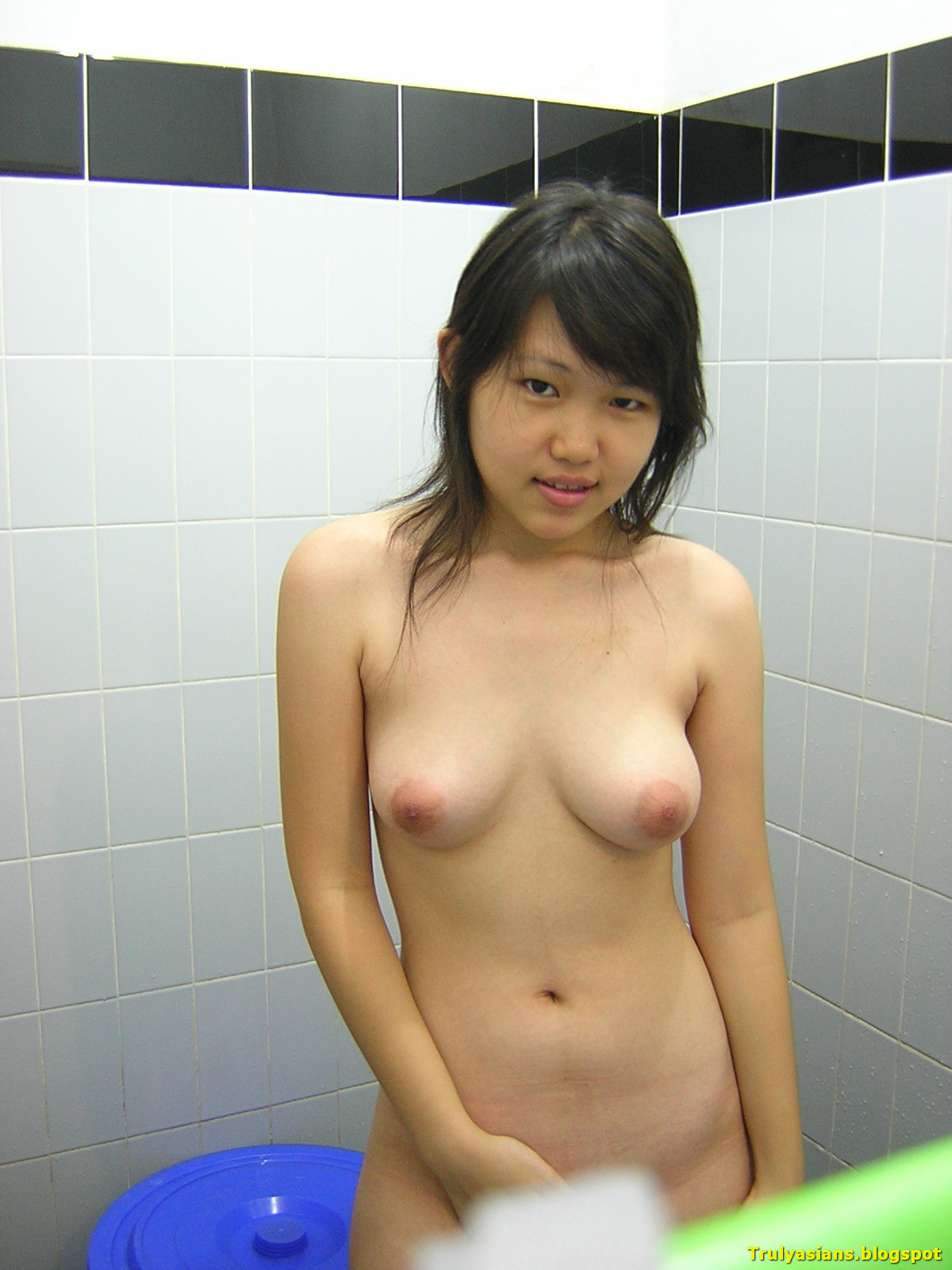 Teen naked chinese Furious crowds