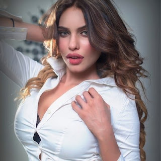 Gizele Thakral Biography Age Height, Profile, Family, Husband, Son, Daughter, Father, Mother, Children, Biodata, Marriage Photos.