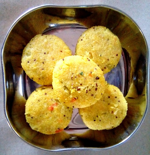 Rice Vegetable Dhokli Recipe in Hindi