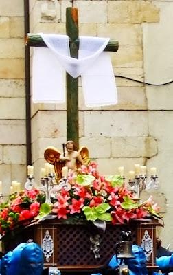 Paso infantil de la Santa Cruz. Cofradía del Santo Cristo de la Bienaventuranza. Foto A. García.