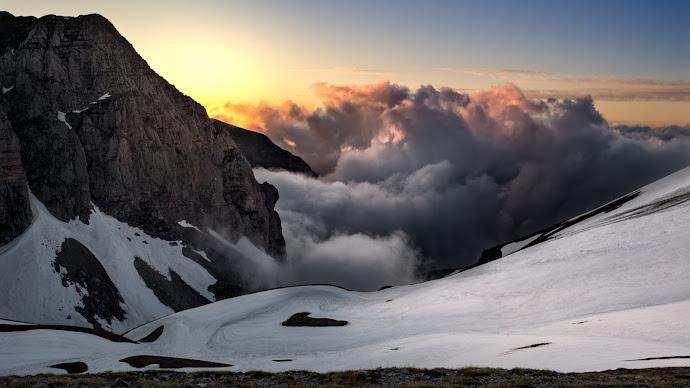 Wallpaper: Super Landscape from Monte Vettore