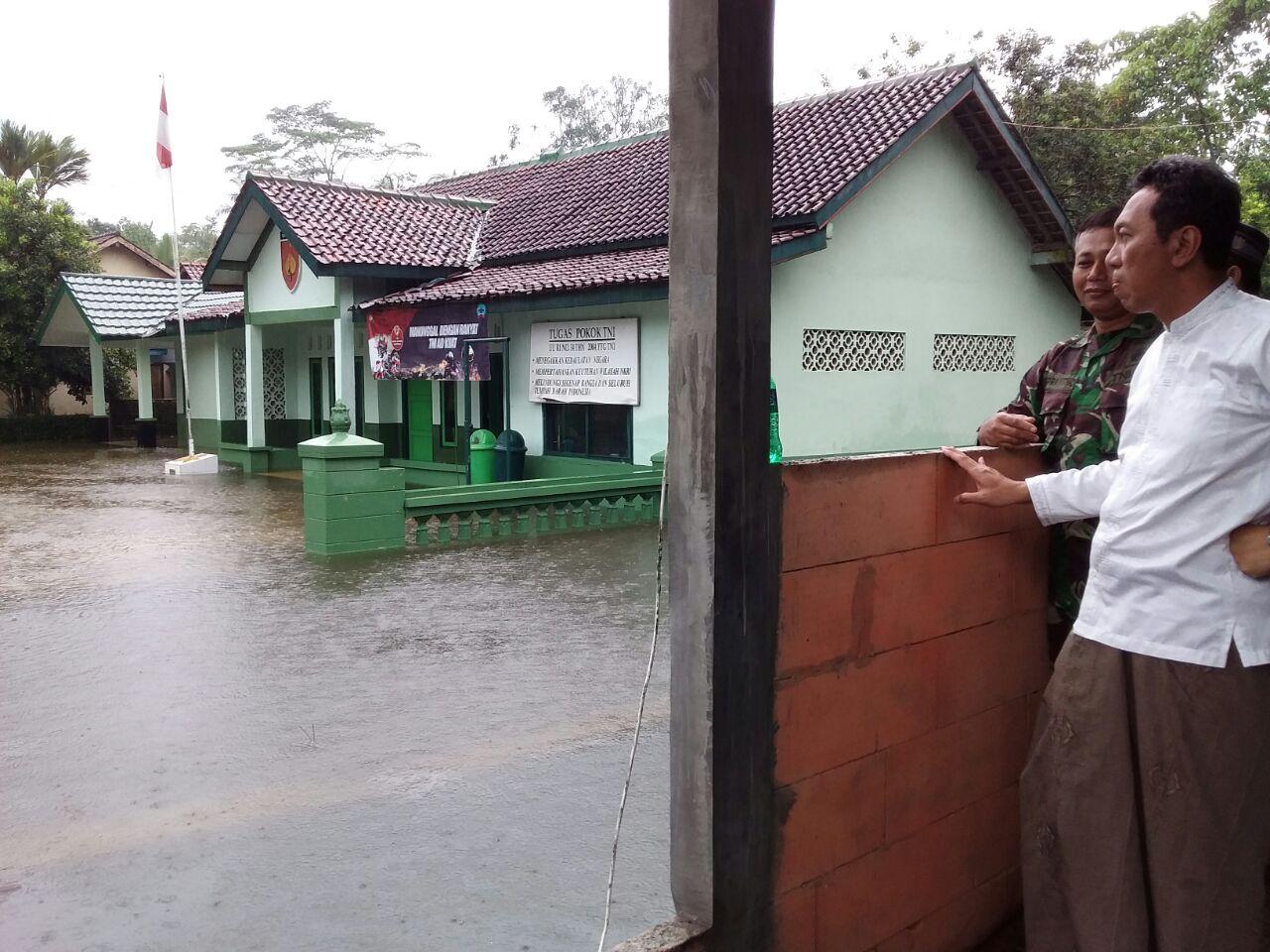Bupati Kebumen Tinjau Lokasi Banjir di Buluspesantren