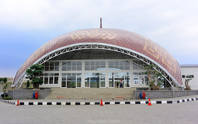 Masjid di rest area jalan tol Bawen KM 22