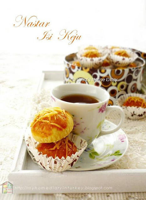 Nastar isi keju / Cheesy tarts cookies~melt in your mouth | Çitra's Home Diary. #nastarkeju #resepnastarklasik #pineappletart #bestcookiesrecipe #indonesiancookies #Indonesiannastar #Indonesischkoekjes #koekjes #ananaskurabiye #nastar #pineappletartcookies #cheesycookies #nastarkeju #kuelebaran