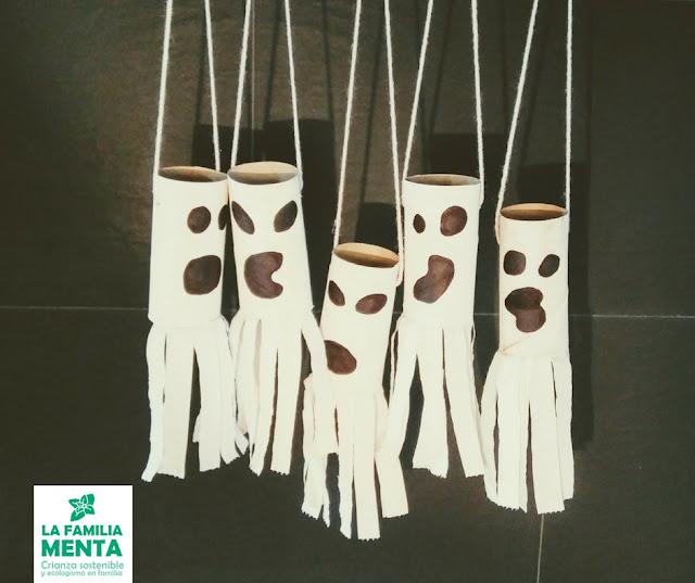 Actividad para niños: decoración de Halloween con rollos de papel