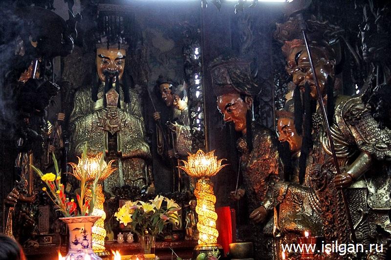 Пагода Нефритового Императора. Город Хошимин. Вьетнам