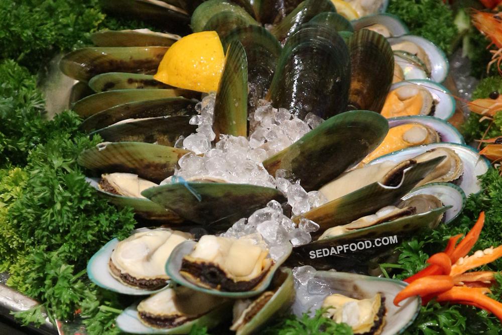 makanan laut segar berbuka puasa