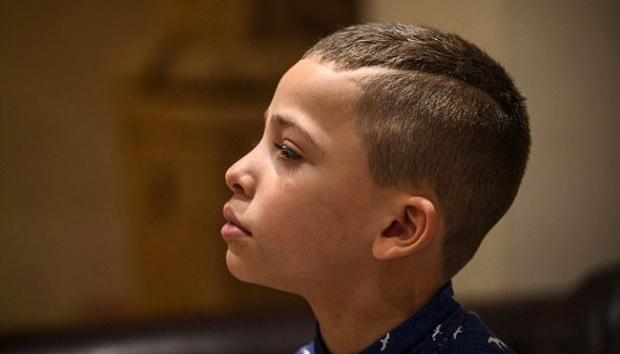 Gara-Gara Model Potongan Rambutnya, Anak ini Dikeluarkan dari Sekolahnya