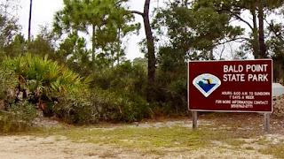 Eingang zum Bald Point State Park - Alligator Point, Florida