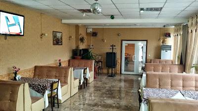 Продается работающее кафе в торговом центре на микрорайоне Солнечный