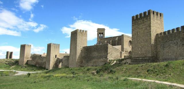 Navarra; Nafarroa; Artajona; Artaxoa; Cerco; Cerco de Artajona; Muralla; Castillo; Castle; Châteu