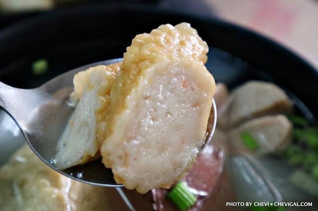 IMG 2730 - 熱血採訪│立偉麵食(太原店)。來自第二市場的一麵三吃超經典。綜合湯品用料澎派毫不手軟