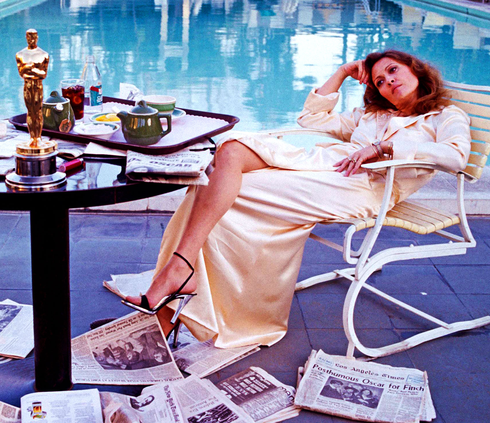 Faye dunaway network - Faye Dunaway Was Also Nominated For Best Actress In The 1968 Movie Titled Bonnie And Clyde As Well As Being Nominated For Best Actress In 1975 For Her