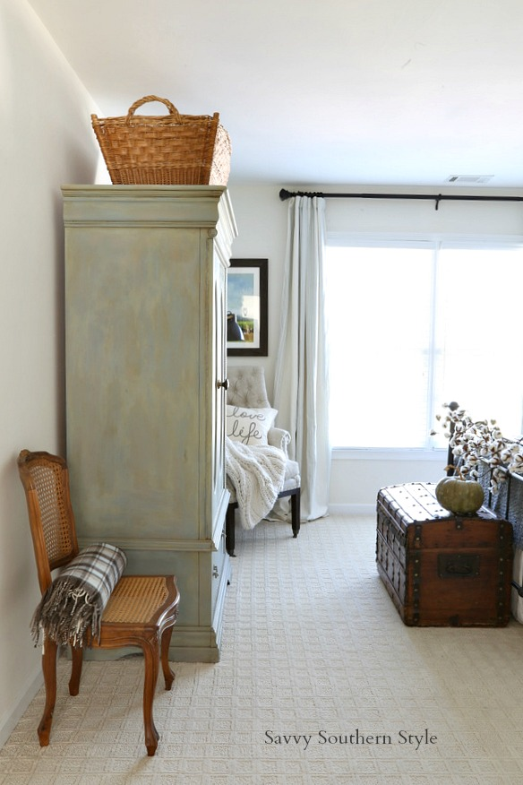 Southern Farmhouse Bedroom Ideas: Savvy Southern Style : Fall Style French Farmhouse Guest