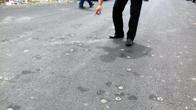 Puluhan Kondom Berserakan di Jalan Melati Samping Kantor Bupati Jeneponto
