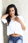 Sanjjana latest glamorous photos-thumbnail-3