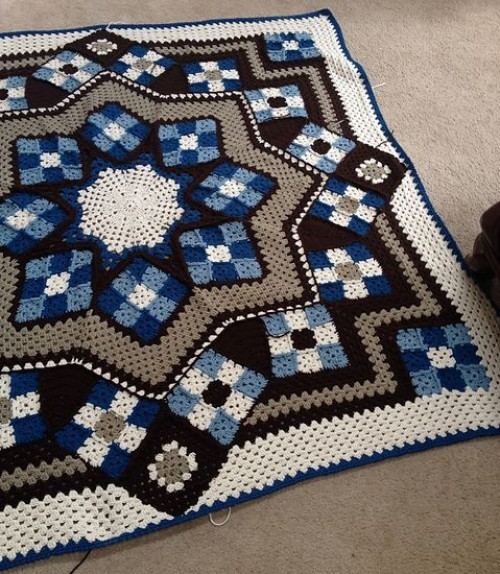 Crochet Pattern Afghan : Crochet For Children: Blue Star afghan - Free Pattern