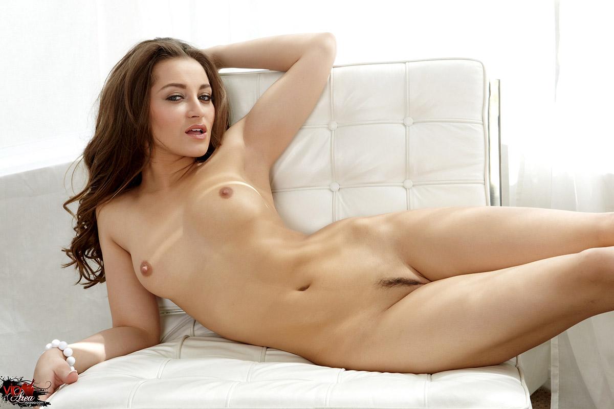 Giant dildo lesbo porn