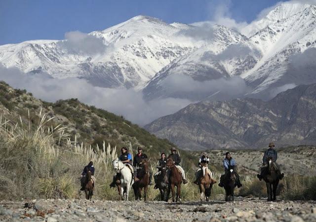 Passeio a cavalo em Mendoza
