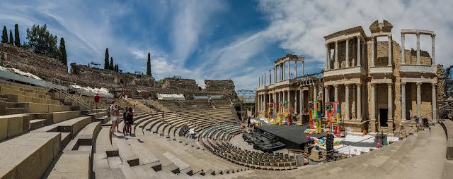 Teatro de Mérida :: Panorámica 7 x Canon EOS5D MkIII | ISO100 | Canon 17-40@17mm | f/16 | 1/50s