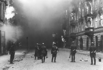 NAZI GERMANS SMOKE OUT JEWISH RESISTANCE - WARSAW GHETTO UPRISING