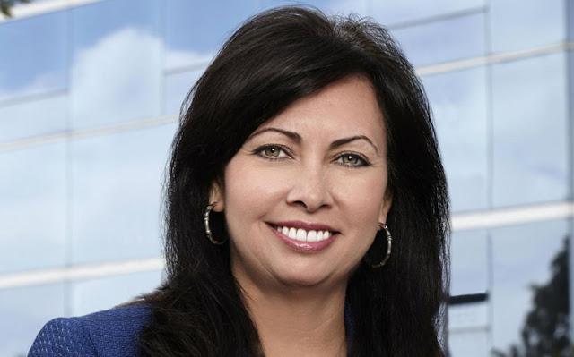 Michelle Van Slyke hiện là Phó giám đốc marketing và bán hàng của The UPS Store, đơn vị cung cấp giải pháp in ấn, bao bì và dịch vụ chuyển phát dành cho doanh nghiệp vừa và nhỏ. Công ty hiện có hơn 5000 cửa hàng nhượng quyền trên khắp nước Mỹ.