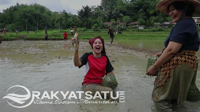 Pererat Gotong Royong, Kemilau Toraja Gelar Mebale dan Melendong