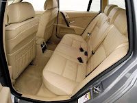 Back seats pic of 2007 BMW 5-Series Touring (E61)-530d