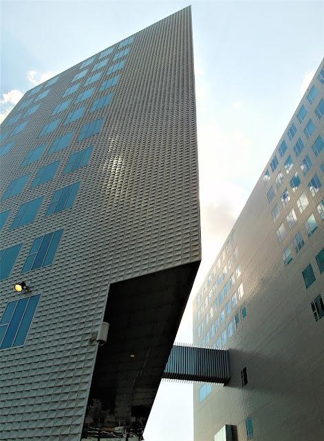 Amsterdams moderna byggnader