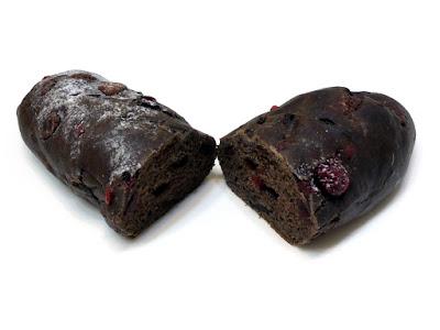 クランベリーとビターチョコのスウィートブレッド | Boulangerie Bonheur(ブーランジェリーボヌール)