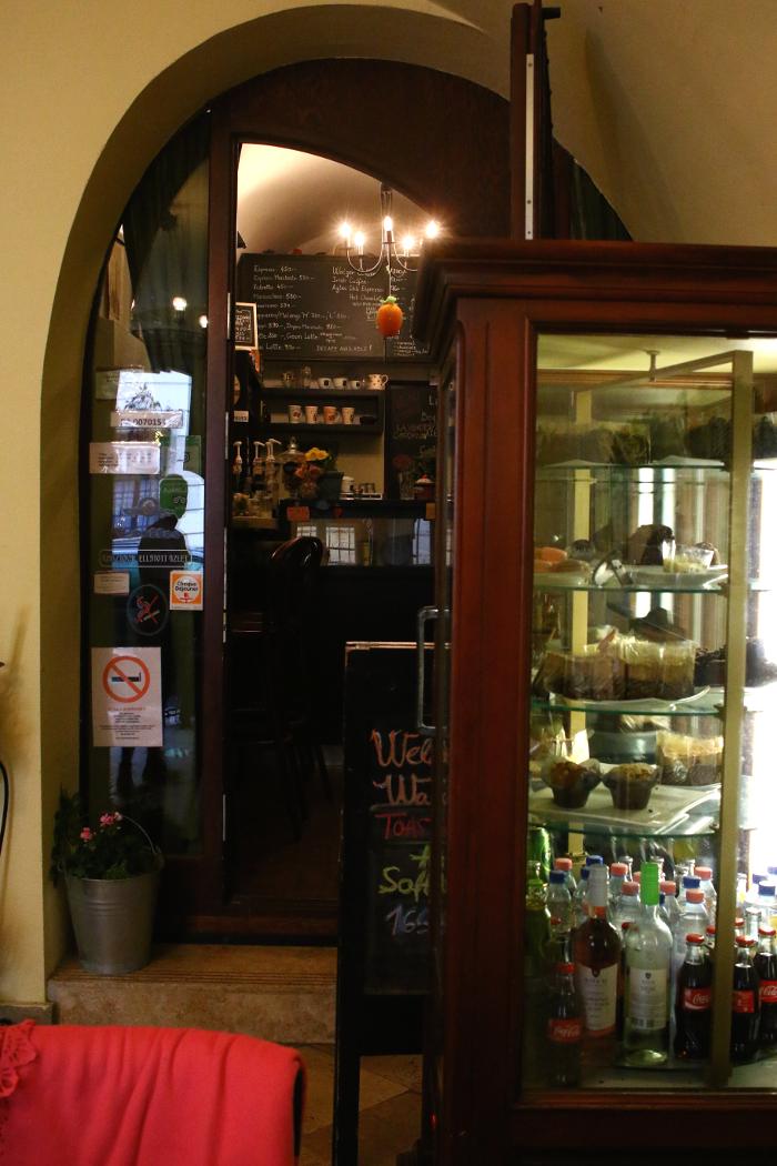 Walzer Cafe, Budapest