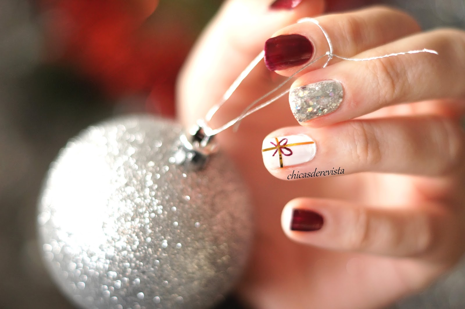 Tuto nail art facile et rapide 4 christmas is coming chicas de revista blog mode bordeaux - Nail art noel facile ...