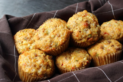Fresh Corn & Sausage Muffins – Twelve Inches Away from Perfection