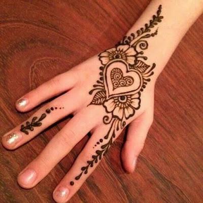 Simple Cute Heart Shaped Mehndi Design \u2013 Houriya Media