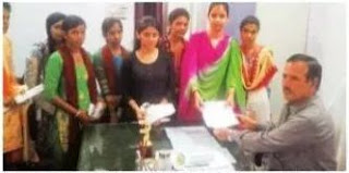 कमला मोदी गर्ल्स कॉलेज की छात्राओं की मांग हटाया जाए एस.एफ.एस