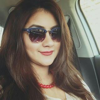 Shaina Amin Cute Selfie