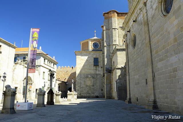 Laterales del palacio Rey Niño y la catedral de Avila