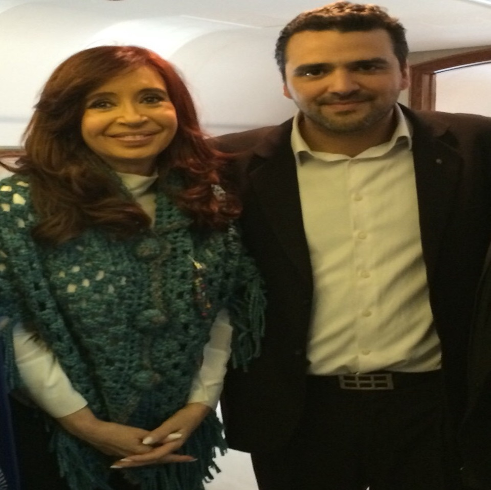 Elogios a Cristina y confirma a Perez de candidato