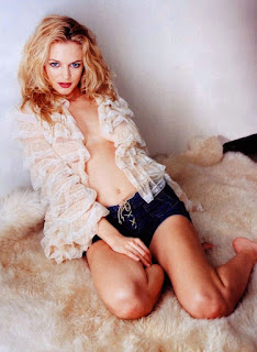 Heather Graham Sexy Pic In White Transparent Outfit