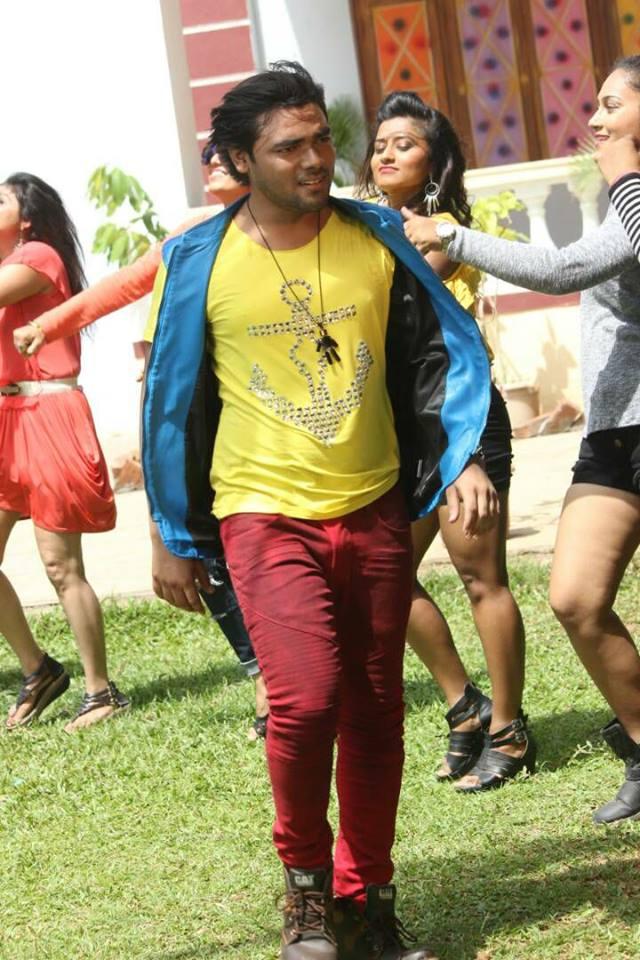Vishal HOT Look in Gadar 2