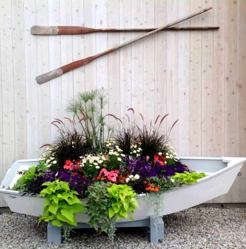 Awesome porch garden planters with a coastal and for Beach garden designs