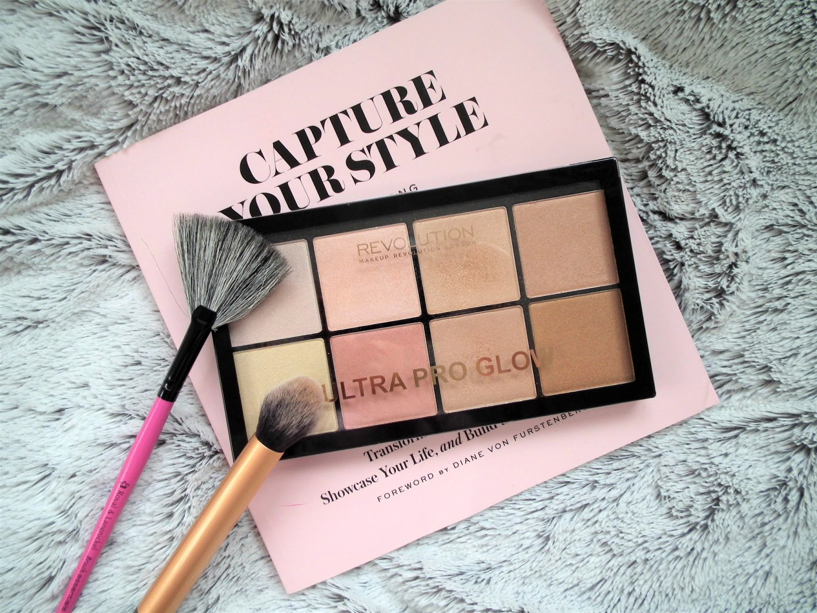 Makeup Revolution - Ultra Glow Palette