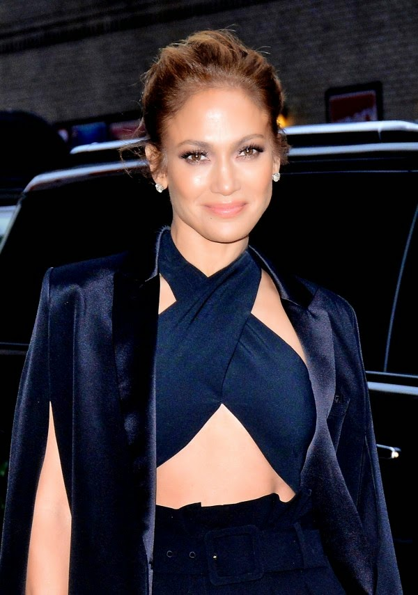 Jennifer Lopez Could Wear THESE Shoes Like It's No Big Deal
