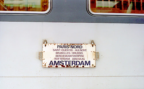 Paris, Gare du Nord, train Corail Paris-Amsterdam, © L. Gigout, 1990