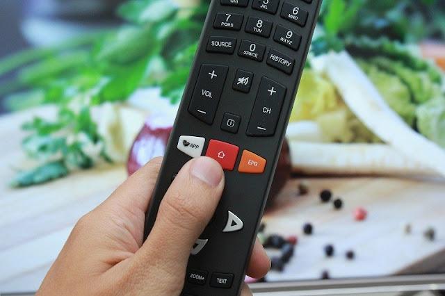 Cách tải và đăng nhập Google Play trên Smart tivi TCL Z2