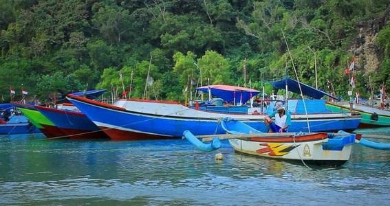 Pantai Sadeng Gunung Kidul Yogyakarta